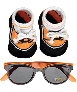 "Little Me Baby Boys' ""Sporty Trim"" 2-Piece Baby Gift Set - CookiesKids.com"